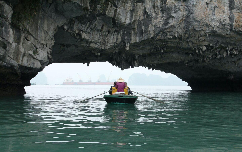 kayaking in ha long bay vietnam