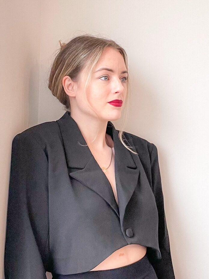 spring/summer 2021 fashion trend: cropped blazers
